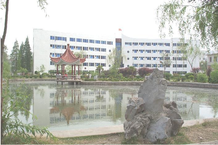 肥西中学主教学楼